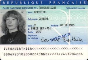 Les cartes d'identité passent au format « carte de crédit »
